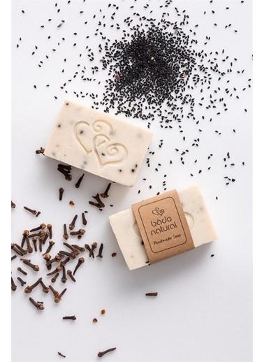 Bade Natural Karanfil Yağı & Çörek Otlu Canlandırıcı Doğal YüzSabunu 100 g  Renksiz